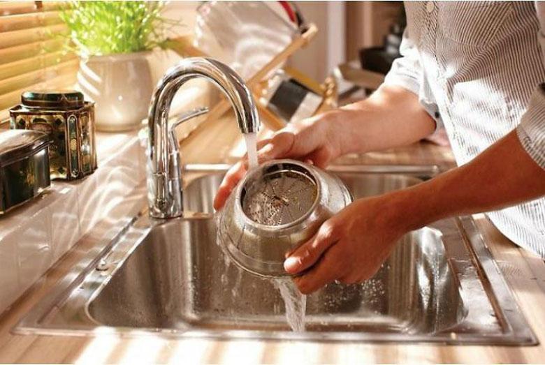 Cách rửa máy ép hoa quả cực nhanh