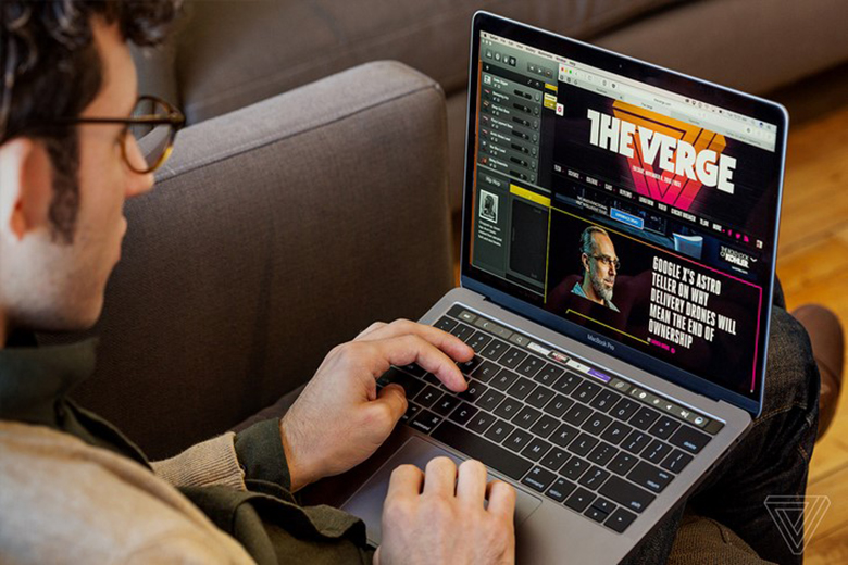 Nên mua laptop hãng nào: Apple Macbook với ưu điểm pin