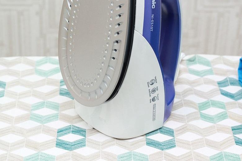 Chống vôi hóa - Bàn là hơi nước Panasonic NI-E510TDRA