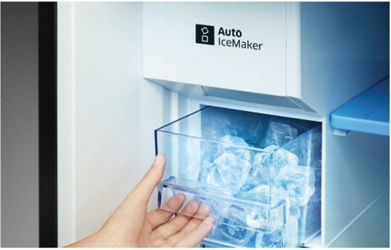 Làm đá tự động - Tủ Lạnh Samsung Inverter 360 lít RT35K5982DX/SV