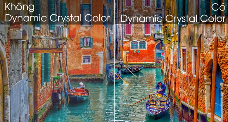 Hình ảnh chân thực y hệt như bên ngoài nhờ công nghệ Dynamic Crystal Color - Smart Tivi Samsung 4K 43 inch UA43TU8500