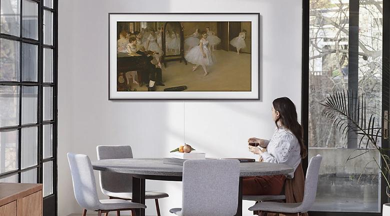 Smart Tivi QLED Samsung 4K 55 inch QA55LS03T thiết kế dạng khung tranh