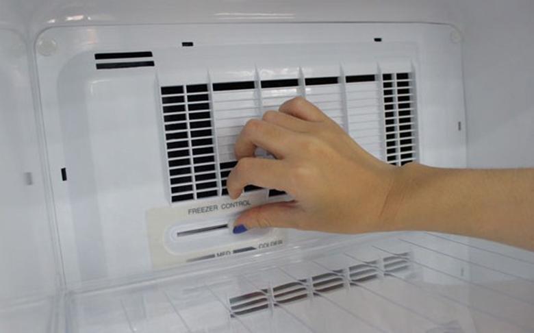 Nguyên nhân tủ lạnh không đông đá do quạt gió bị hỏng