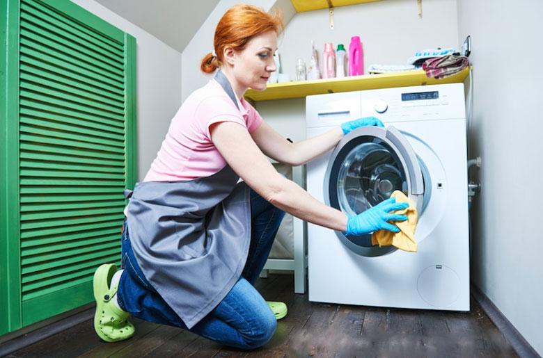 Hướng dẫn cách vệ sinh máy giặt LG: vệ sinh bên ngoài máy giặt