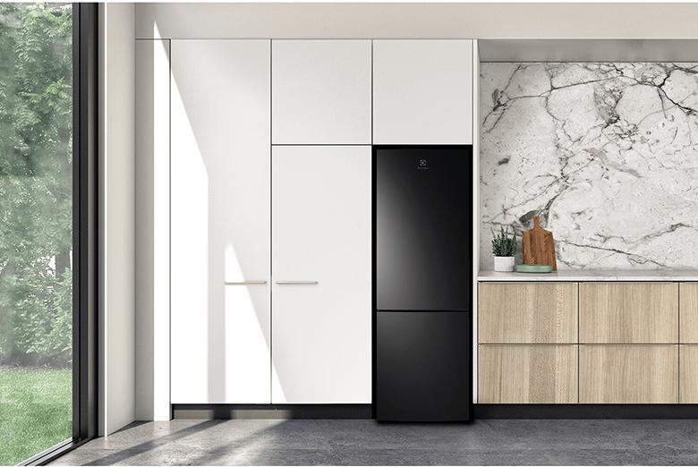 Tủ lạnh Electrolux Inverter 253 lít EBB2802K-H
